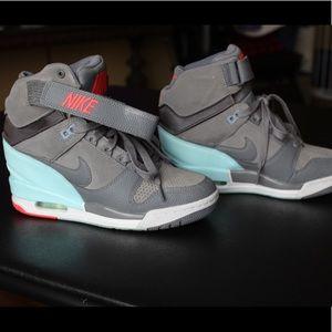 Nike dunks sky hi